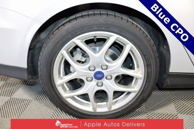 Used 2015 Ford Focus SE with VIN 1FADP3F28FL324236 for sale in Apple Valley, Minnesota