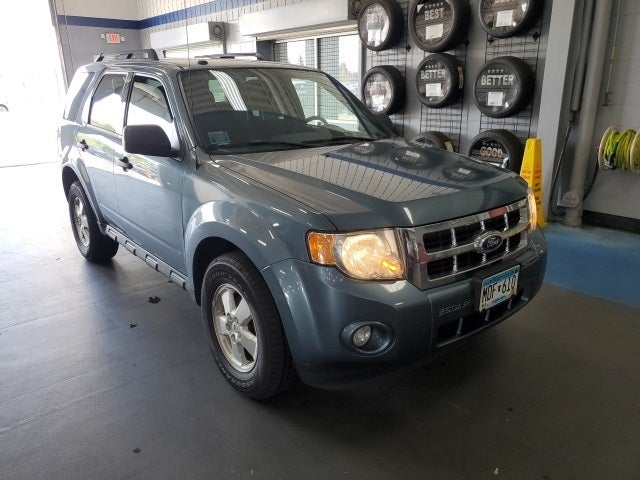Used 2011 Ford Escape XLT with VIN 1FMCU9DG8BKB72891 for sale in Apple Valley, Minnesota
